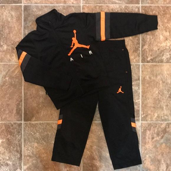 8dc4aa0e48f889 Jordan Other - AIR JORDAN NIKE 2 Piece Track Suit Size 4 5